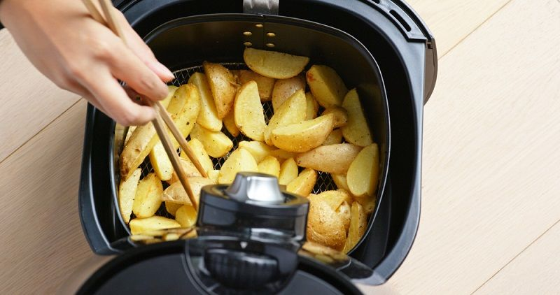 how does air fryer work without oil